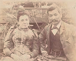 與妻子瑪格麗特合影