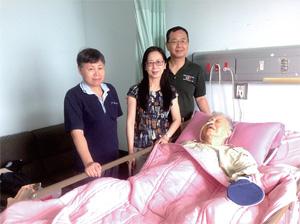 左一是劉慰慈師母的妹妹劉念慈