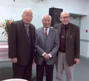 張惠民長老102 歲(右) 呂道諾宣教士90 歲(左)