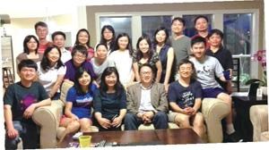 德州大學奧斯汀分校同事和學生在陳教授家中聚會